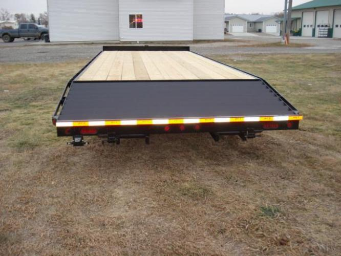 2019 Black DCT 81/2 x 20 4 Deckover Equip , located at 80 Big Timber Loop Road, Big Timber, MT, 59011, (406) 860-8510, 45.837139, -109.951393 - Photo #4