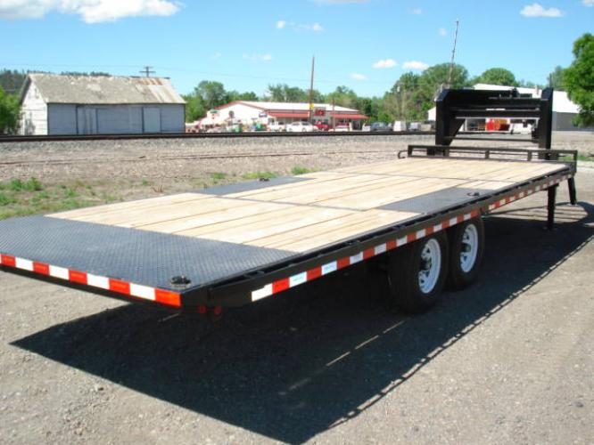 2020 Black SureTrac 81/2 x 24 GN Deckover P Tilt , located at 80 Big Timber Loop Road, Big Timber, MT, 59011, (406) 860-8510, 45.837139, -109.951393 - Photo #1