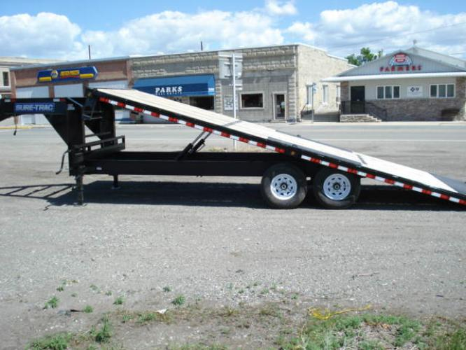 2020 Black SureTrac 81/2 x 24 GN Deckover P Tilt , located at 80 Big Timber Loop Road, Big Timber, MT, 59011, (406) 860-8510, 45.837139, -109.951393 - Photo #6